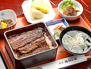 特大鰻重定食(特大鰻重・吸い物・小鉢・香物・フルーツ)