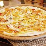 スモークチキンのピザ